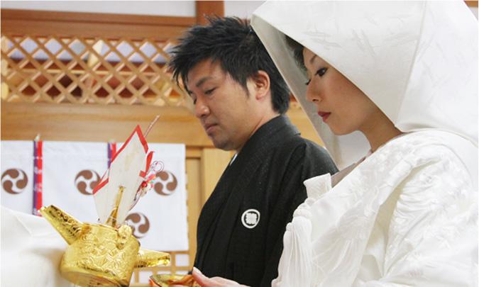 鹿嶋神社本殿での荘厳な神前式